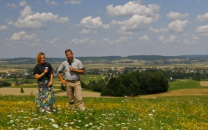 Anna Sabat - Pezdan i Marcin Pawlak prowadzący Lato w regionach